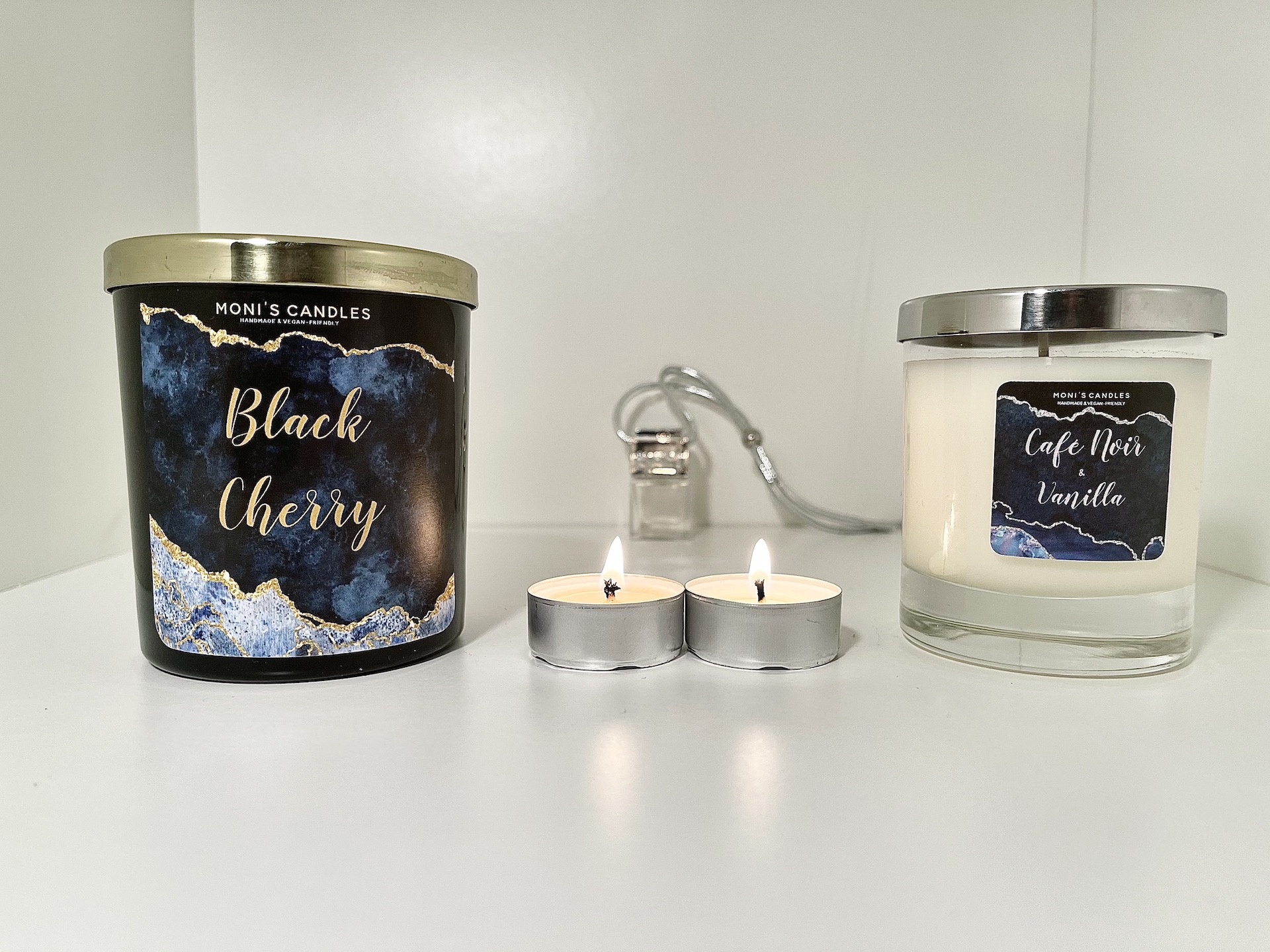 Monis Candles